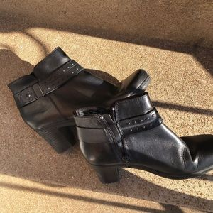"""Clarke's Black Leather Ankle boots 2"""" heels"""